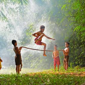 by Benny Sugiarto Eko Wardojo - Babies & Children Children Candids ( kids playing in summer )