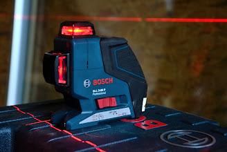 Photo: 20-11-2012 © ervanofoto Een klein maar interessant toestel. Dit zelf-nivellerende apparaat projecteert haarscherpe lijnen in drie vlakken.
