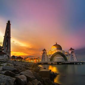 Dreamy  by Najmi Rooslan - Landscapes Sunsets & Sunrises ( pulau melaka, uwa, mosque, malacca, melaka, masjid selat melaka, malaysia, sunrise, nikon, tokina )