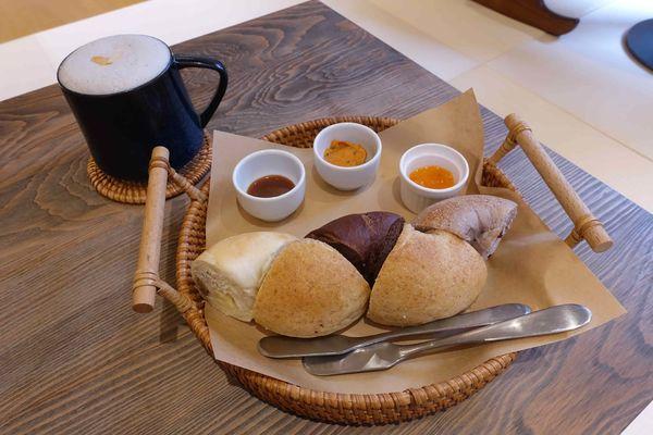 咖啡、牛奶和貝果,與心裡的孩子來場親密對話 ::最初的地方:: 台南親子友善餐廳 / 台南寵物友善餐廳