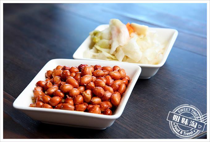 河邊海鮮餐廳-桌贈小菜