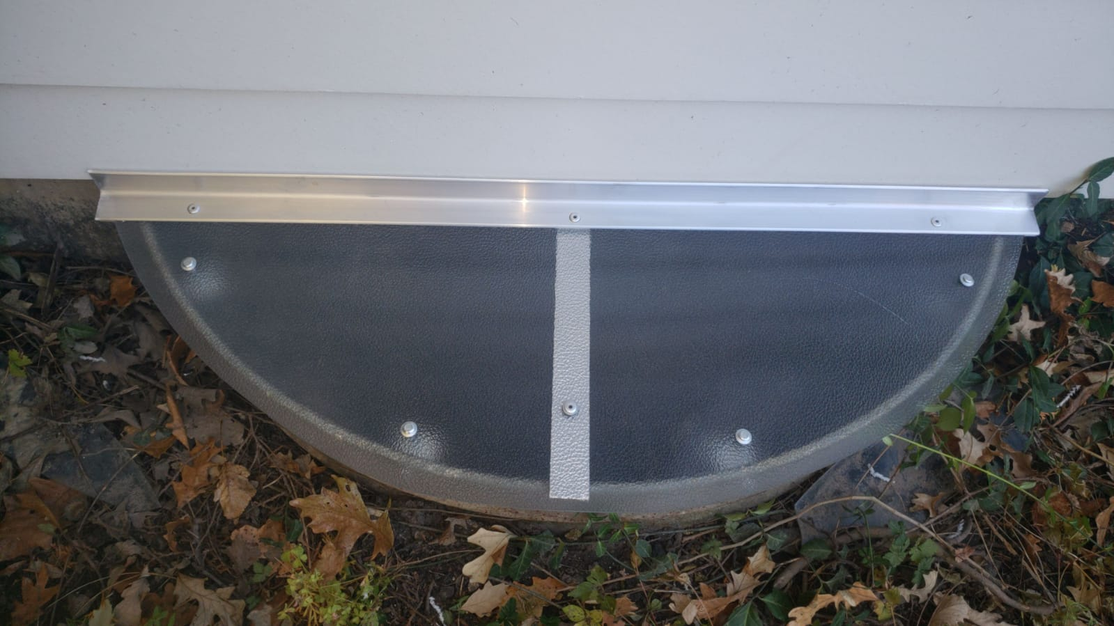 Round lake, IL-HandyManny Custom Window Well Covers