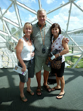 Photo: With Lynn and Priscilla Joyner at the Dali museum