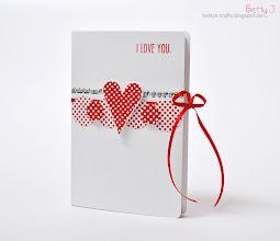 Photo: http://bettys-crafts.blogspot.de/2014/01/i-love-you-forever-kartenbox-schachtel.html