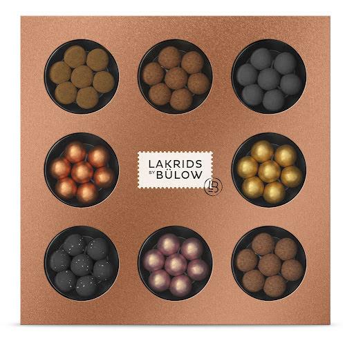 Winter Selection Box 2021 - A, D, CHRISTMAS, CLASSIC, GOLD, FRUITY CARAMEL, SNOWBALL och CRISPY CARAMEL - Lakrids by Bülow.