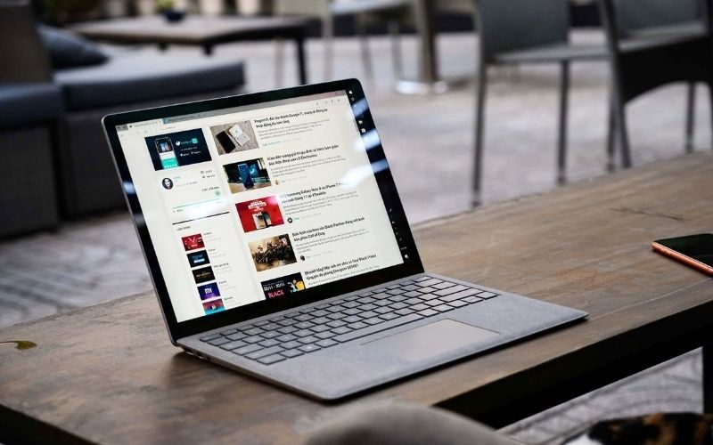 Laptop Surface hiện đại , phong cách