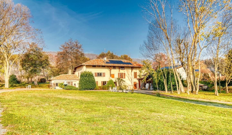Maison Saint-Etienne-la-Varenne