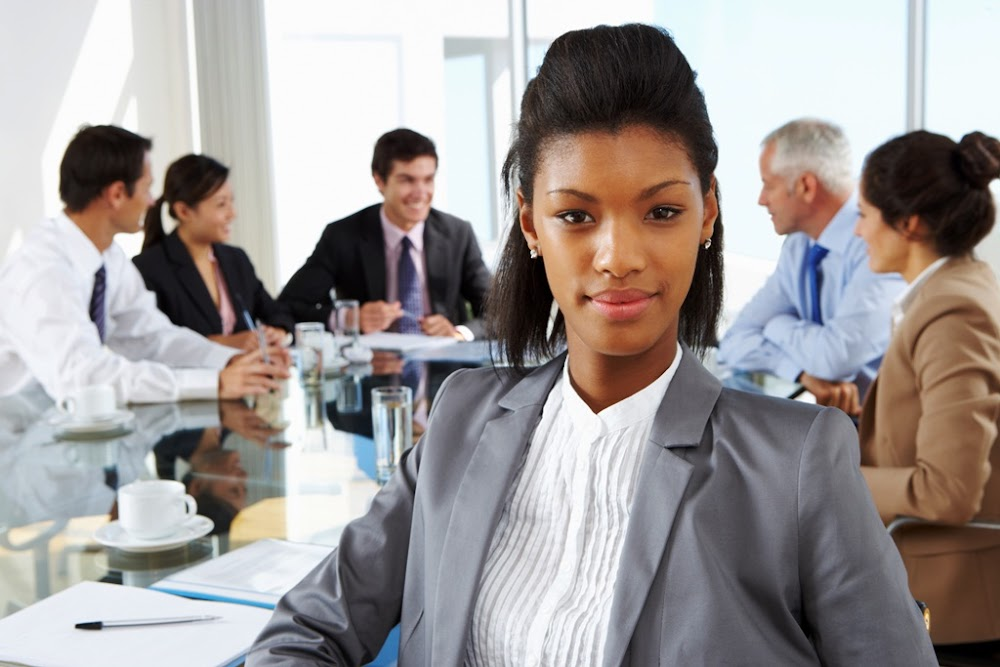 Beleggersinisiatief doen 'n beroep op Amerikaanse firmas om vroue en mense van kleur op die planke te voeg