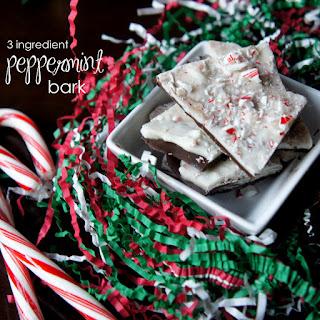 Super Easy {3 ingredient} Peppermint Bark