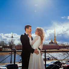 Wedding photographer Ekaterina Kuzhman (Kuzhman). Photo of 19.05.2017