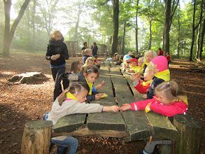 Photo: Koekje eten in het bos