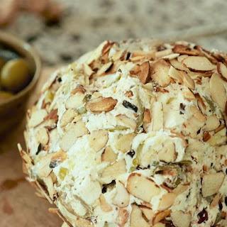 Easy Cheeseball Recipe