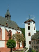 Photo: Pfarrkirche Neuerburg © wikipedia CC-Lizenz Foto: Peng
