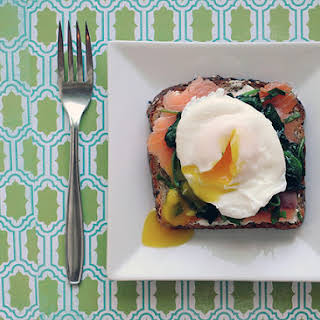 Salmon Spinach Eggs – Quick and Easy Healthy Breakfast.