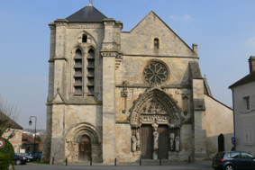 photo de Basilique Notre-Dame-de-Bonne-Garde (Longpont-sur-Orge)