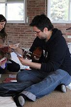 Photo: y practicando acordes