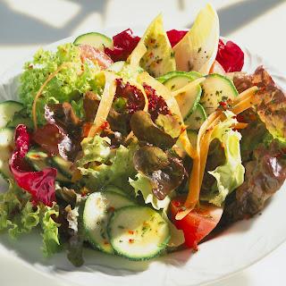 Sommerlicher Blattsalat