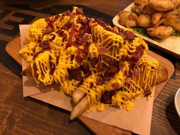 MR & MS Burger Taiwan 青海路上 來自香港 充滿港味的平價美式漢堡店 大份量的炸物拼盤 特別的炸墨西哥辣椒 附菜單