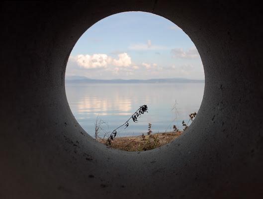 ..e guardo il lago da un oblò... di Mikmata