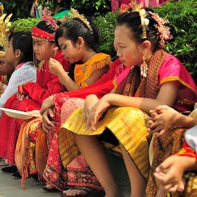 warna warni hari kartini by Ahmad Yahya - People Fashion ( colorsfull, fashion, indonesia, kartini, hari kartini )