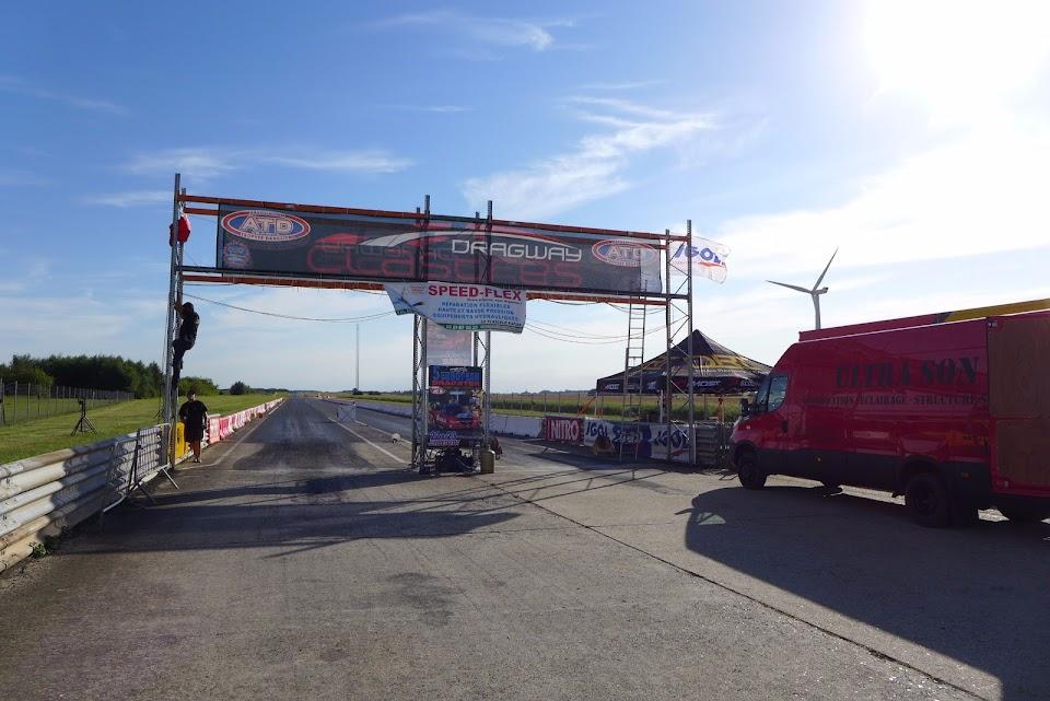 La piste de Clastres, le Dragway avant l'épreuve.