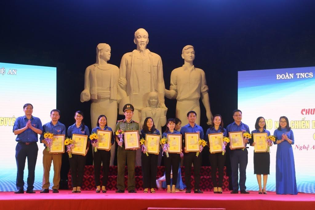 Tỉnh đoàn tuyên dương 10 công trình thanh niên tiêu biểu Chiến dịch tình nguyện hè