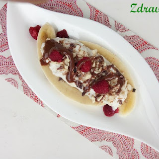Banana Split with Fresh Cheese Recipe