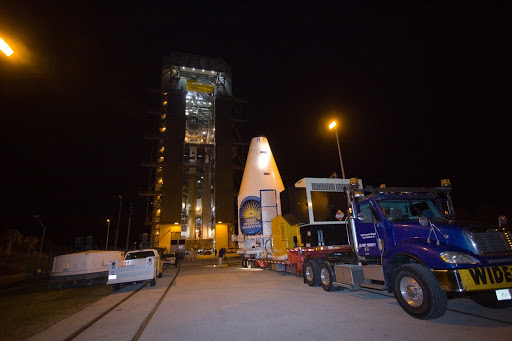 SDO MOVE FROM ASTROTECH TO PAD 41 LIFT & MATE.