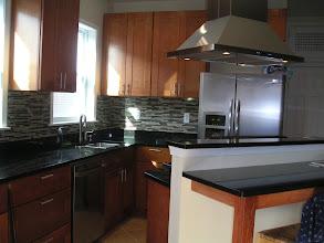 Photo: Groumet kitchen w/an island