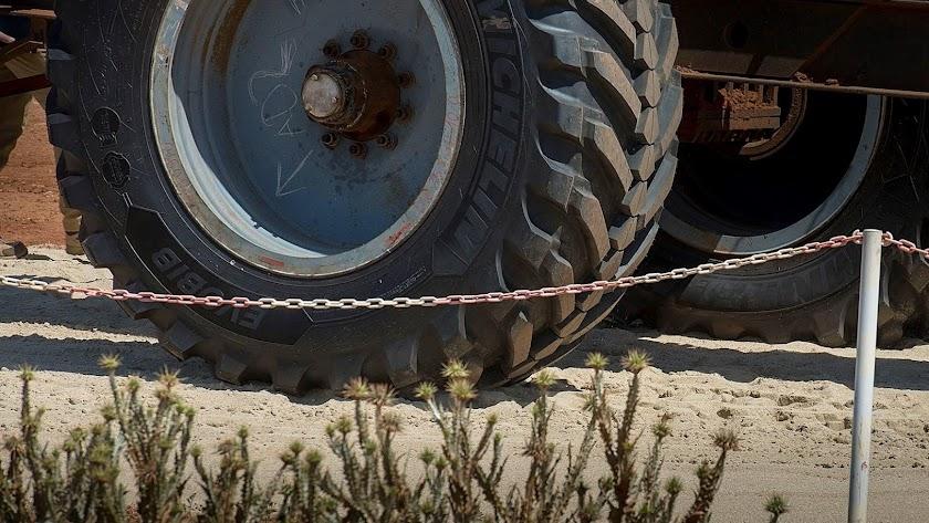 El CEMA almeriense nació en 1973 para poner a prueba gigantescos neumáticos para obras públicas y minería.