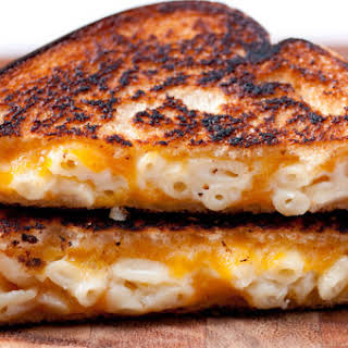 Spicy Grilled Mac And Cheese Sandwich.