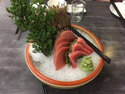 海之味真的很新鮮 好吃,大推CP值報讚的蚵仔麵線...缺點就是價格真的不低
