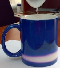 """Photo: Синяя магическая кружка для компании """"Ромсат"""". При нагревании кипятка чашка начинает белеть снизу вверх"""