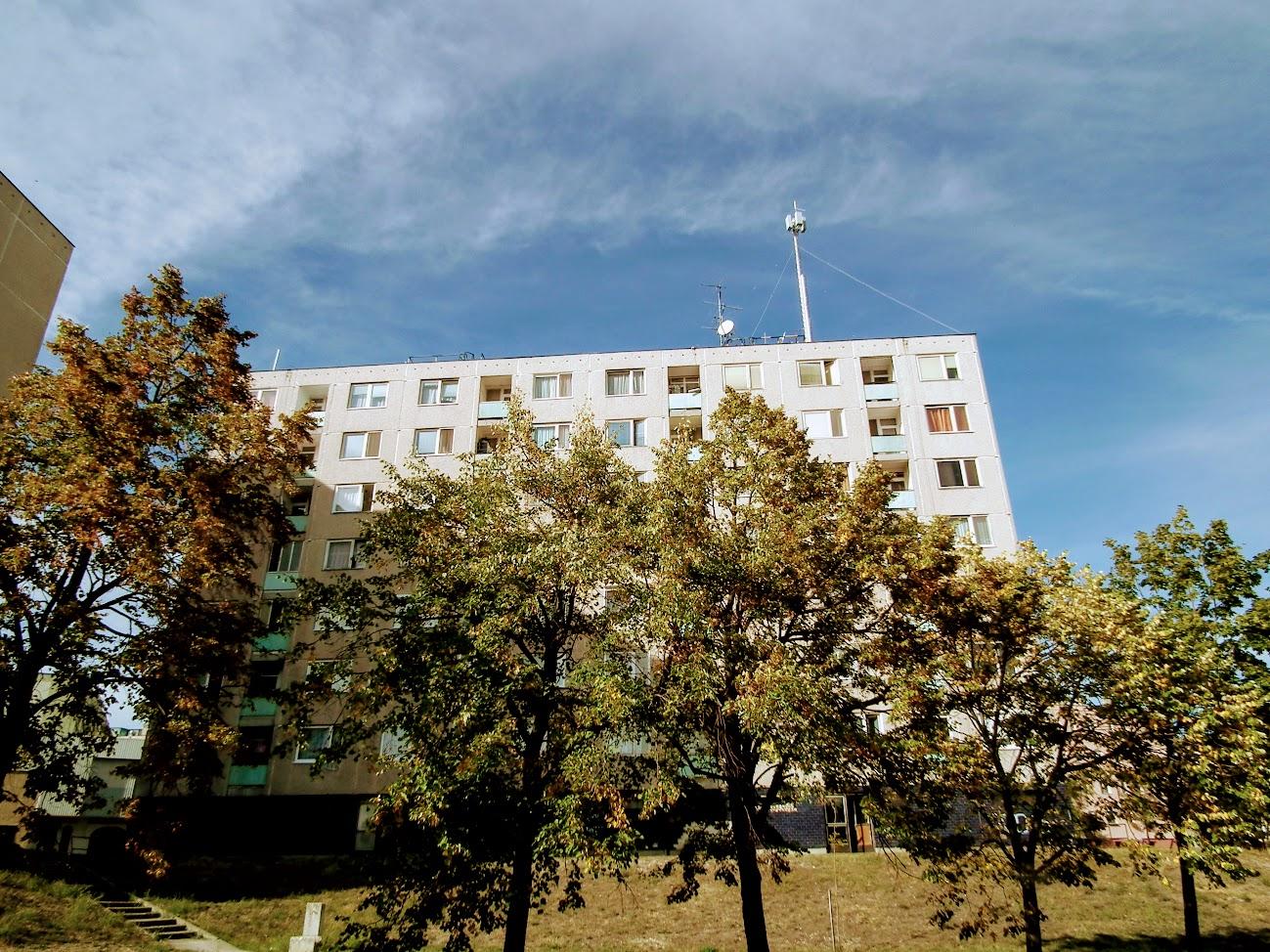 Várpalota/Tési-domb - helyi URH-FM adóállomás