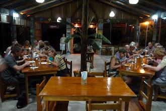 Photo: ...da ist selbst die deutsche Reisegruppe ruhig und speist genüsslich!