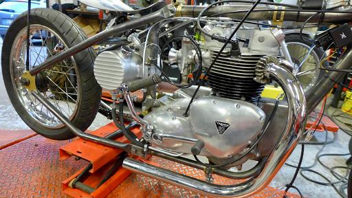 Triumph 5TA 1959 réviséé par Machines et Moteurs
