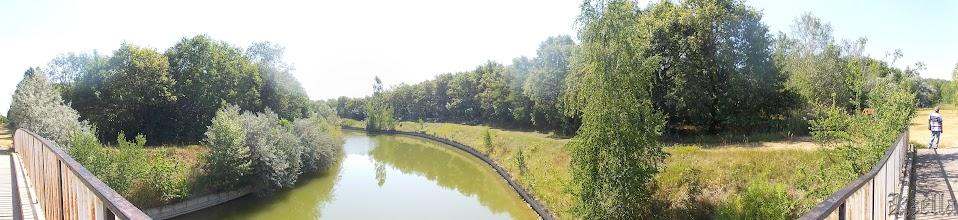Photo: A híd két oldala