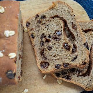 Cinnamon Swirl Raisin Bread (Whole Wheat, Vegan).