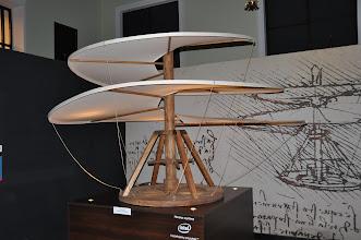 Photo: Model jednoho z Leonardových vynálezů.