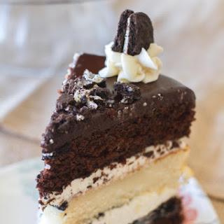 {Triple Layer} Cookies and Cream Oreo Cake.