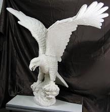 Photo: Águila a tamaño natural. || Talla en madera. Woodcarving.    Para leer algo más en relación con esta obra ir al blog: http://tallaenmadera-woodcarving-esculturas.blogspot.com/2008/12/guila-tamao-natural.html