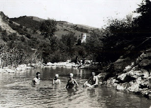 Photo: Cheile Turzii - Cabana veche - Paraul Hasdate - 1931 surse: https://www.facebook.com/157561581034728/photos/a.158662867591266.4603.157561581034728/158711270919759/?type=3&theater si https://dintrecut.wordpress.com/2010/07/26/cheile-turzii-2/ R.C. https://www.facebook.com/photo.php?fbid=1583386645308150&set=pcb.1583386958641452&type=3&theater  De pe Facebook, Suciu Petru ( Zamfir Pop) https://www.facebook.com/photo.php?fbid=1175882705818355&set=pcb.1175885255818100&type=3&theater album: https://www.facebook.com/suciu.petru.92/posts/1175885255818100