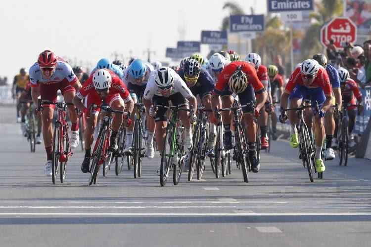 """Phil Bauhaus na dubbelslag in de Ronde van Saoedi-Arabië: """"Ik denk nog niet aan de eindzege"""""""