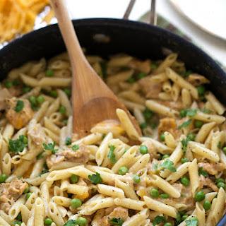 {One Skillet} Cheesy Tuna Pasta.