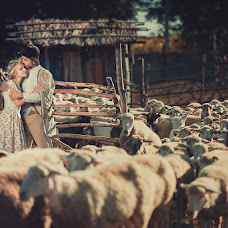 Wedding photographer Irina Lesik (AnshuLesik). Photo of 21.10.2014