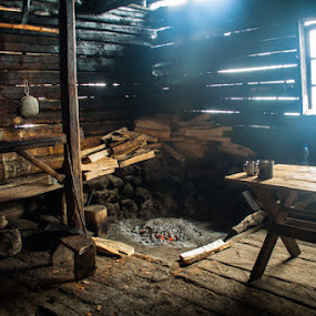 Shepherds' shelter  by Iulia Georgescu - Buildings & Architecture Homes ( mountains, shelter, wood, cheese )
