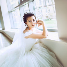 Wedding photographer Anzhela Timchenko (ashagst). Photo of 09.03.2018
