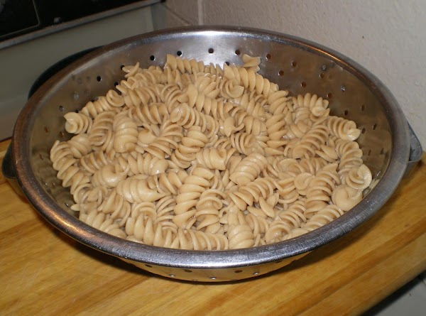 Cook pasta in boiling salted water for 6 minutes; drain and set aside.