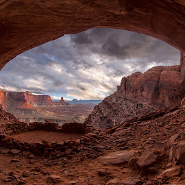 by Ryan Smith - Landscapes Caves & Formations