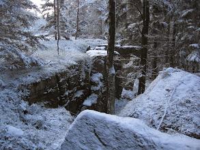 Photo: Po kilkukrotnym zgubieniu się wskutek zaśnieżenia drzew od strony szlaku, docieram na grzbiet Závora, skąd kontemplując unikatowe piękno krańca Gór Stołowych, zmierzam do Uniemyśla.